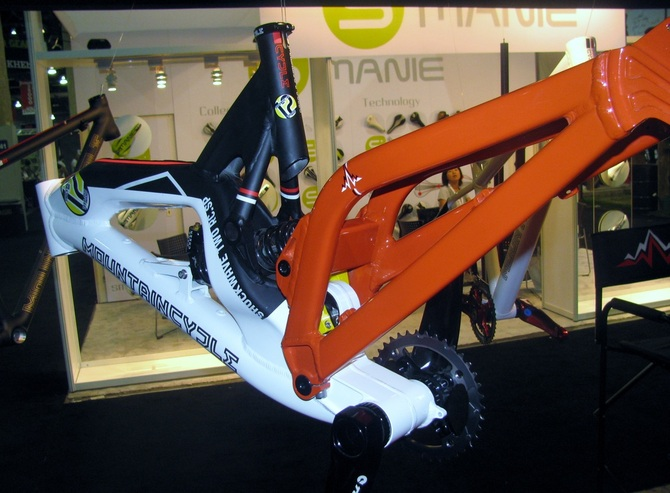 MountainCycles, Shockwave, Downhill, frame